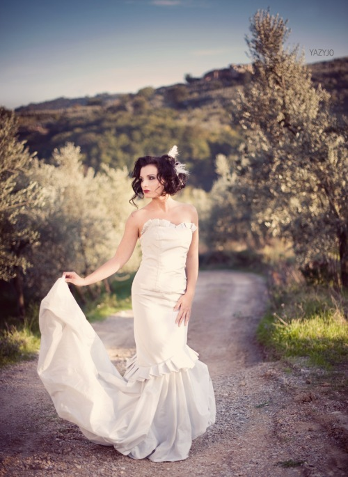 tuscany shoot wedding dress